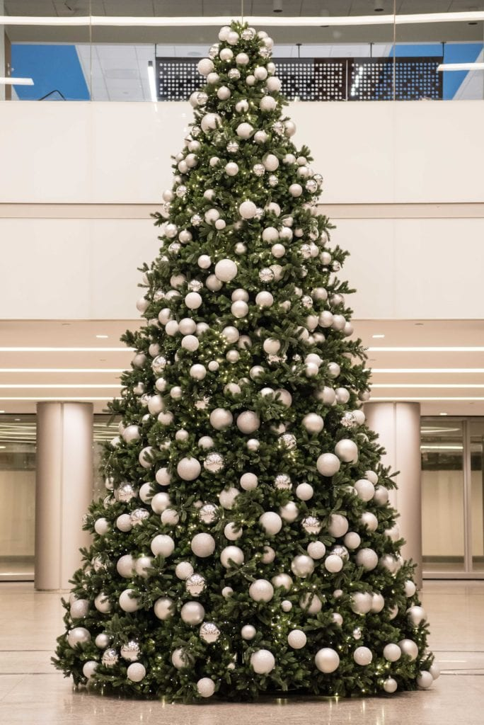 Artificial Christmas tree hire